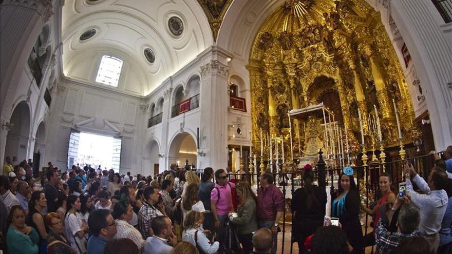 Almonteños saltaron la reja a las 3.03, dando comienzo procesión de la Virgen