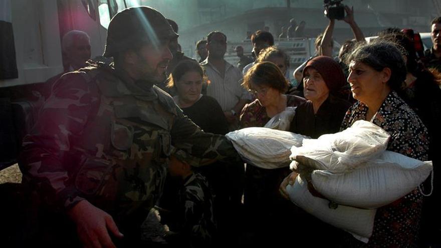 La ONU entrega ayuda desde el aire a civiles cercados por el EI en Siria