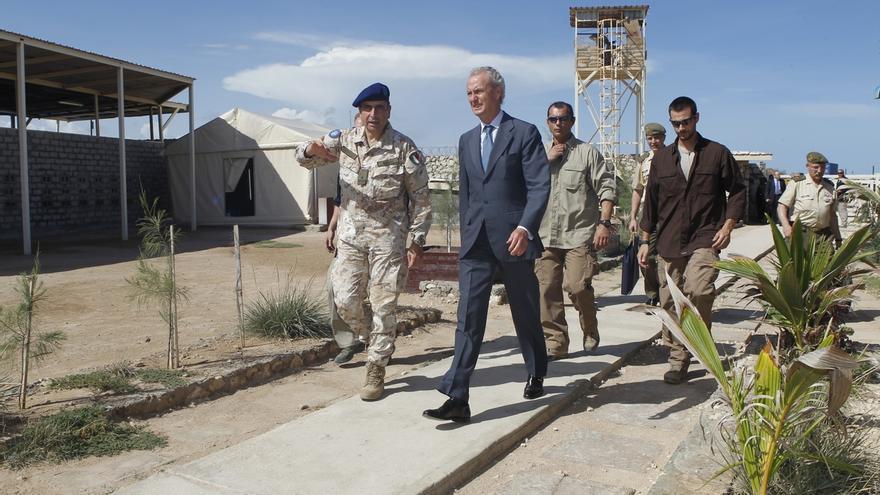 Morenés subraya que la misión en Libia necesita coordinación con la ONU y y recuerda el caso de Siria