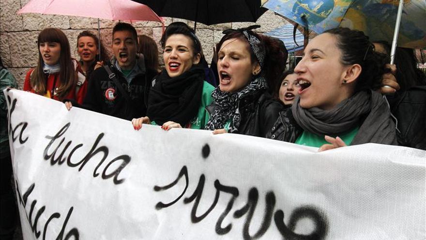 Estudiantes protestan contra la reforma educativa