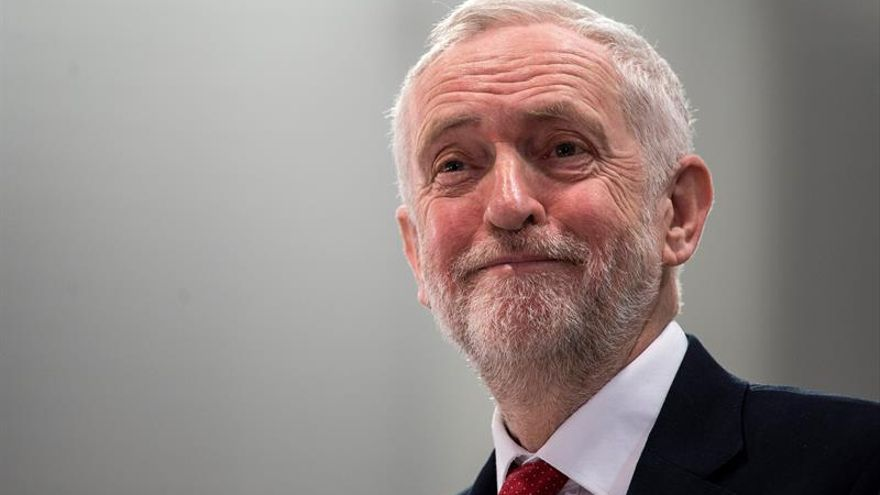 Corbyn dice que Londres debe trabajar con Rusia a pesar del caso del exespía