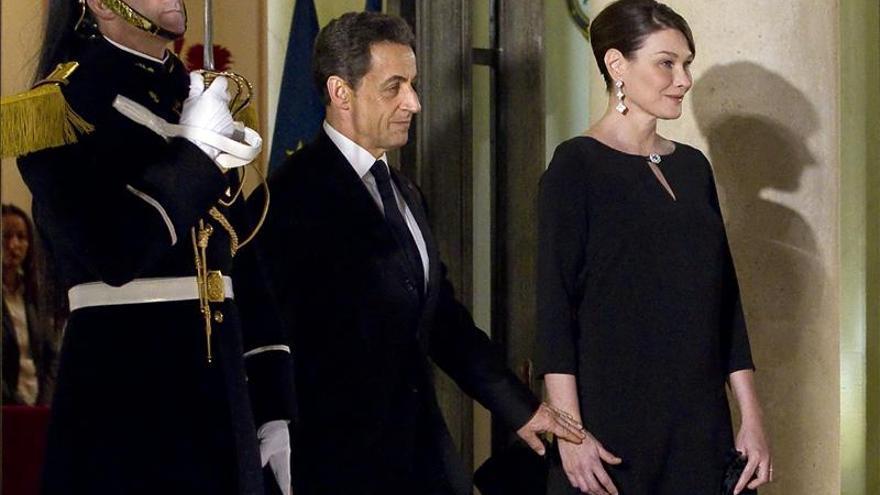 El expresidente francés Nicolas Sarkozy se declara fan de Carla Bruni