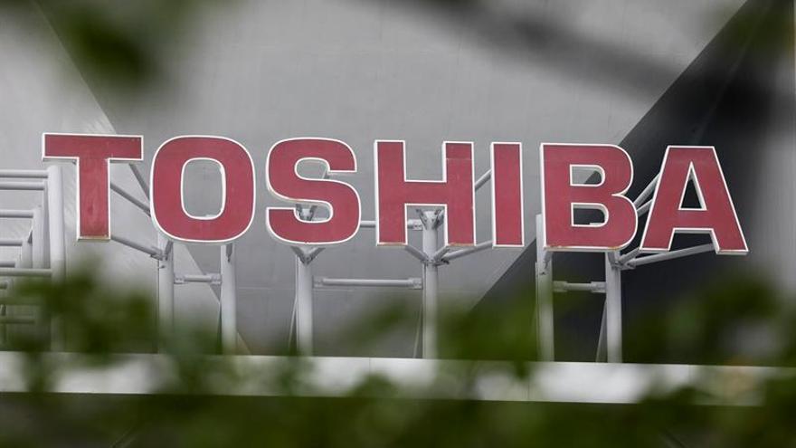 Toshiba decide vender su rama de chips a un consorcio liderado por un fondo de EEUU