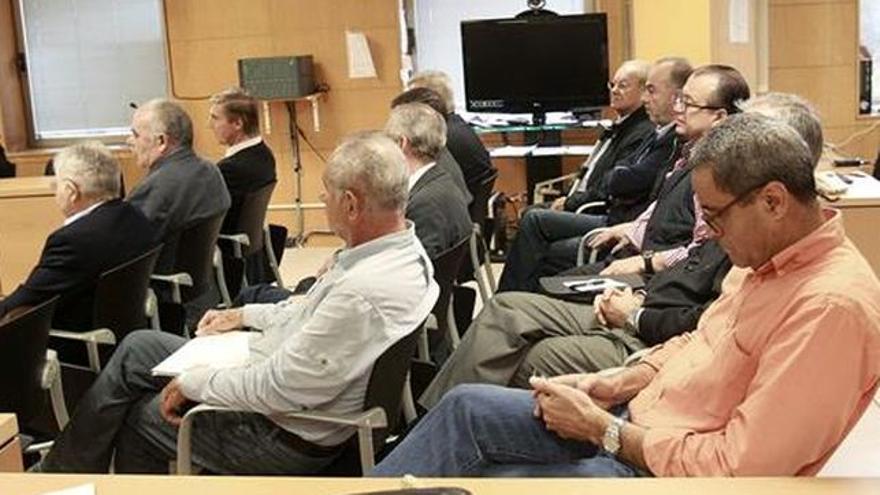 Sala con los acusados en la vista oral del juicio de Las Teresitas