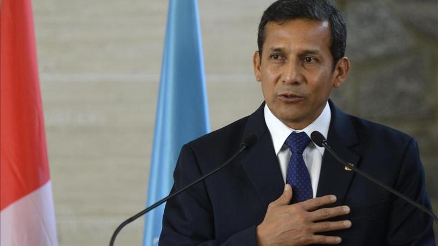 El Gobierno peruano promulga ley del servicio civil, a pesar de protestas