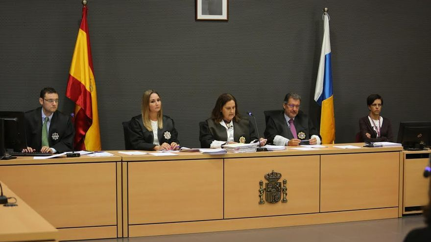 Pilar Parejo preside el tribunal del juicio contra el exgerente de Sagulpa. (ALEJANDRO RAMOS)