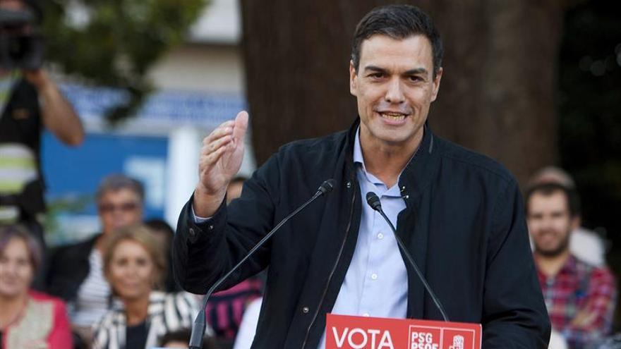 """Sánchez ofrece a Podemos y C's """"generosidad"""" para formar un gobierno alternativo"""