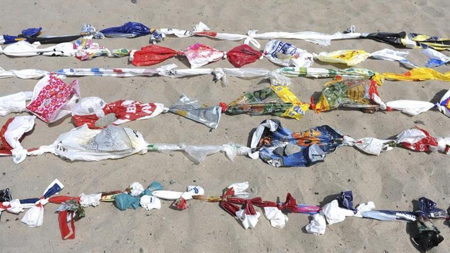 Las bolsas de plástico más pequeñas dejan de ser gratuitas hoy