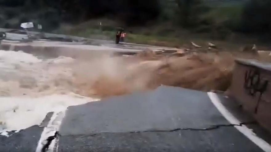 La avenida del río Cidacos deja importantes daños materiales en Tafalla, Olite y Pueyo, sin que consten víctimas