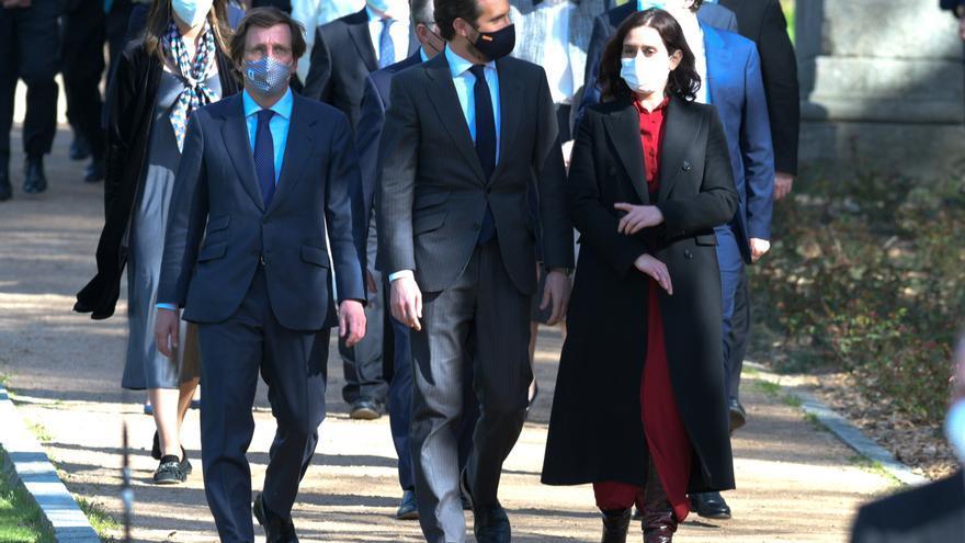 Jose Luis Martínez-Almeida, Pablo Casado e Isabel Díaz Ayuso llegan al acto de Estado de Reconocimiento y Memoria a todas las Víctimas del Terrorismo. en Madrid (España), a 11 de marzo de 2021.