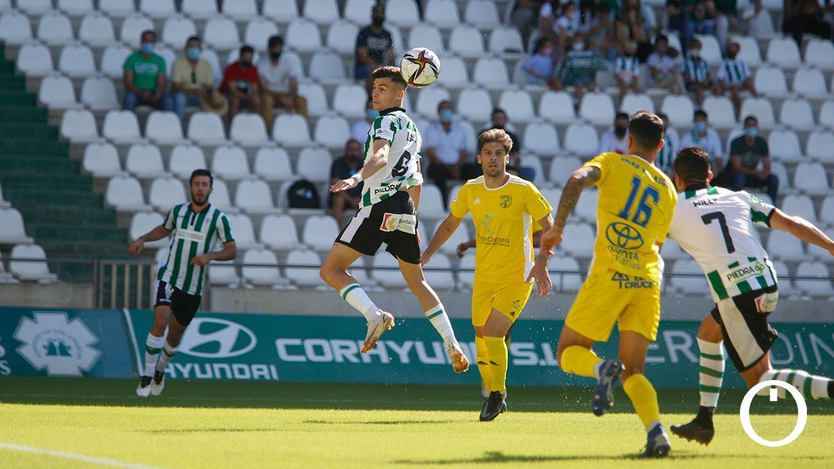 Partido disputado entre el Córdoba CF y el UD San Fernando
