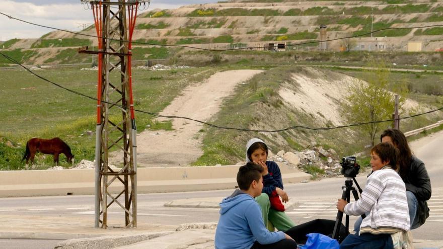 Niños y niñas de la Cañada durante uno de los talleres audiovisuales en la zona.