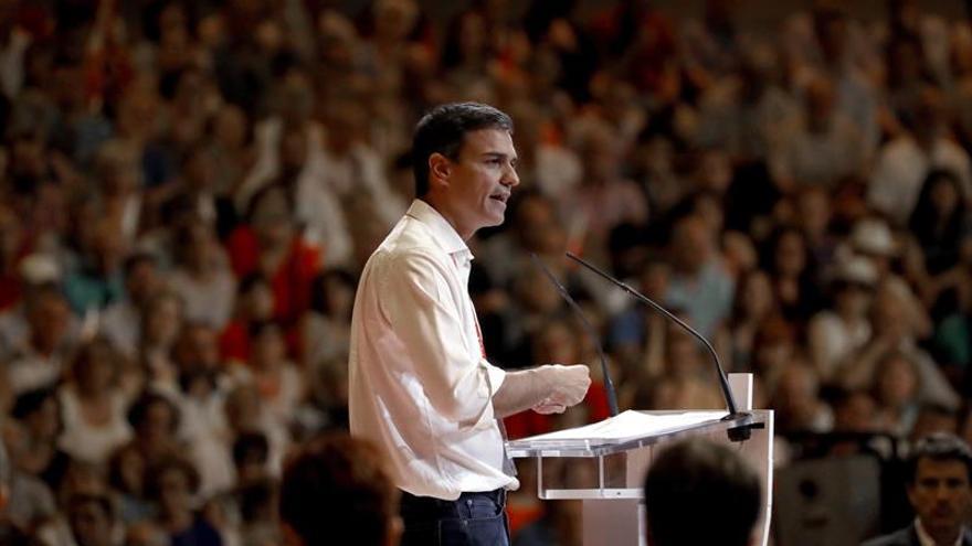 Sánchez reúne a su ejecutiva para renovar la dirección parlamentaria