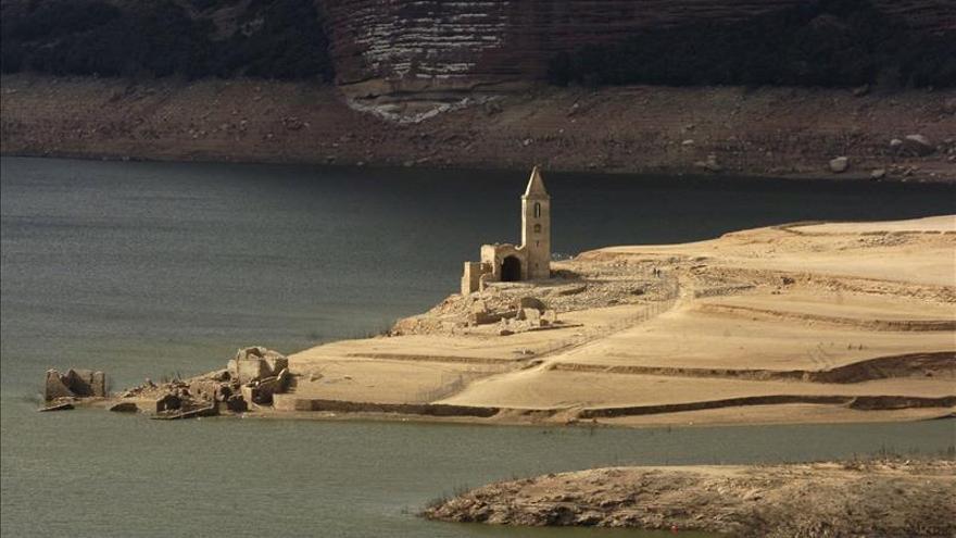 Los pantanos catalanes tienen reservas agua para 13 meses aunque siga sequía