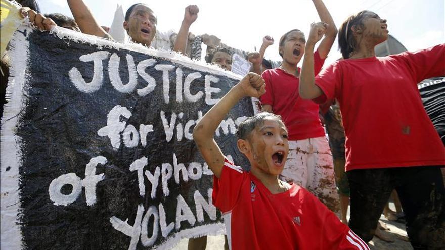 La ciudad filipina de Tacloban no consigue recuperar la normalidad que ansía