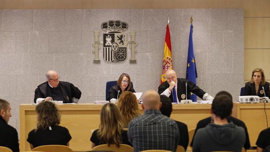 Ocho acusados de Ekin eluden la prisión al renunciar a la violencia