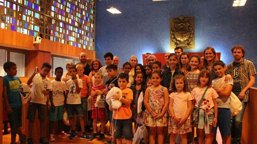 Una quincena de niños de Sahara, Ucrania o Rusia pasarán el verano en Barakaldo gracias a los programas de acogimiento