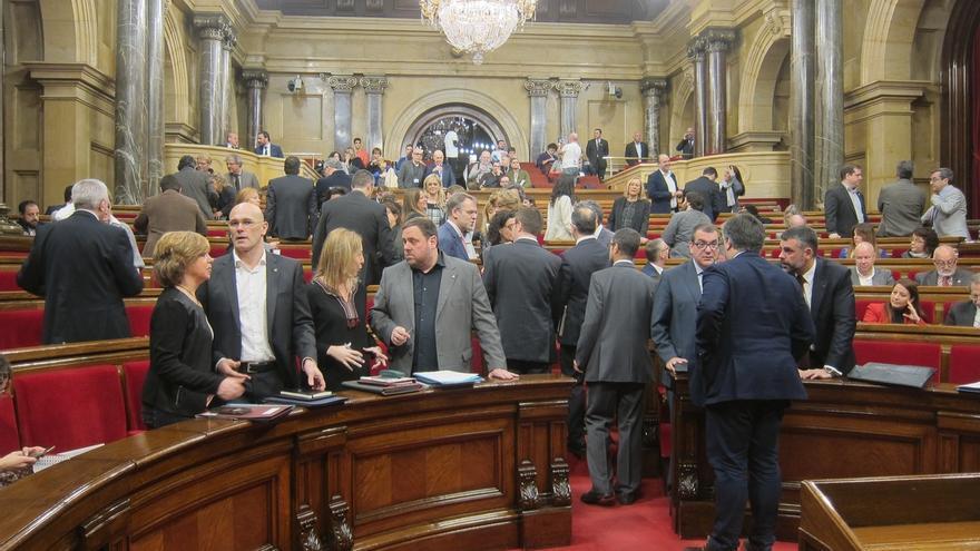Otros dos diputados de Junts pel Sí dejarán sus actas en el Parlament si Puigdemont convoca elecciones