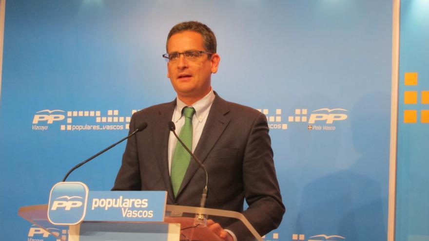 """Basagoiti cree que PNV quiere el Gobierno apoyado por Bildu y el PSE """"es capaz"""" de hacer un tripartito con la coalición"""