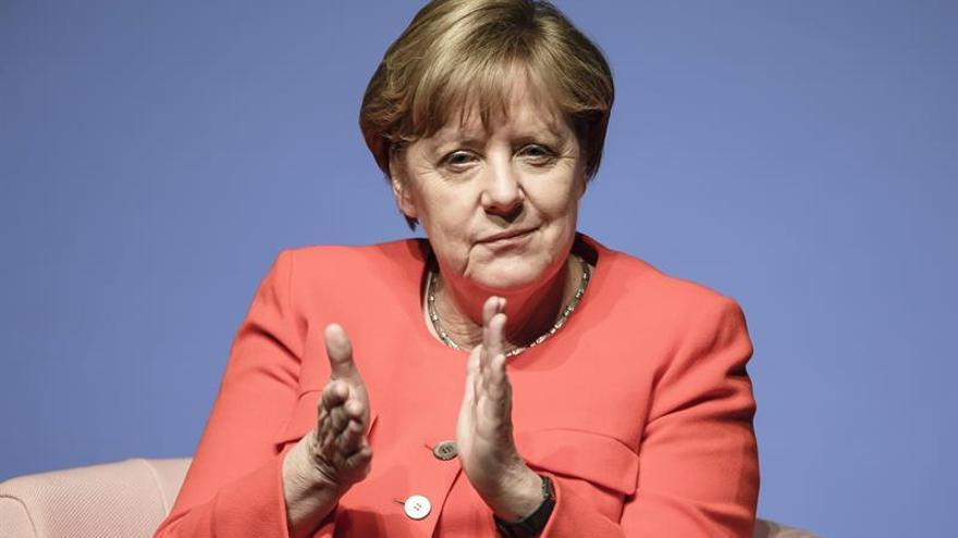 Merkel, preocupada ante la entrada del matrimonio homosexual en campaña