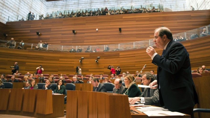 El presidente de Castilla y León prevé ayudas al Plan Renault de 11 ó 12 millones de euros