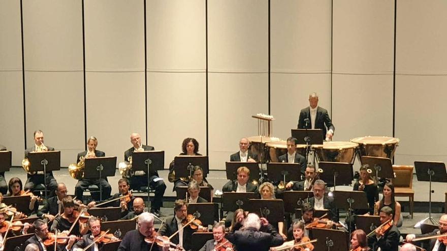 Concierto en el Auditorio Alfredo Kraus enmarcado en el Festival Internacional de Música de Canarias.