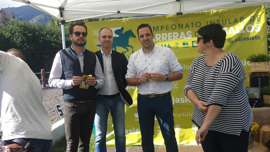 Jordi Pérez, Jonathan Felipe y Ascensión Rodríguez en el acto.