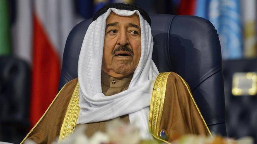 El emir de Kuwai inaugura la III Conferencia de Donantes de Siria