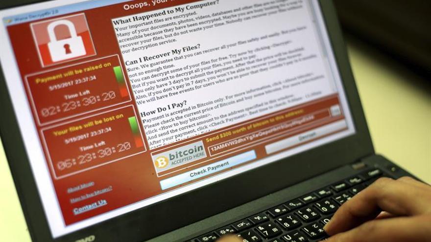 Experto que ayudó a limitar el ciberataque global alerta de nuevas oleadas