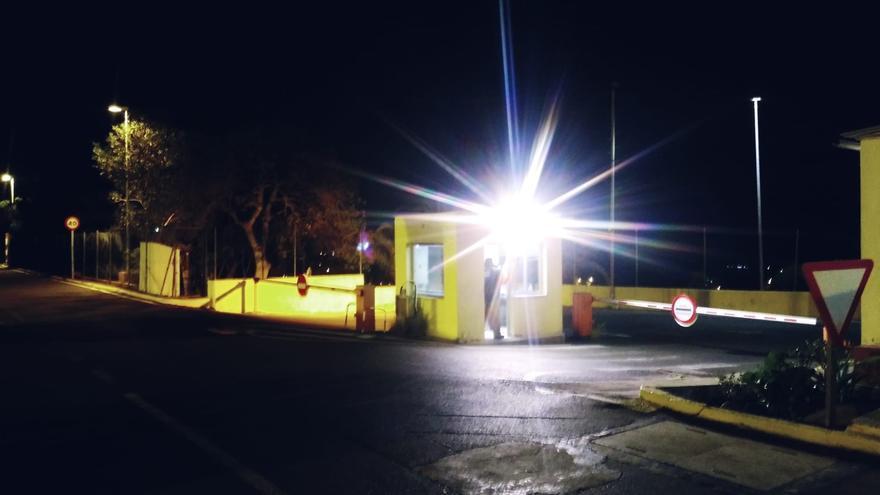 Garita de acceso a la prisión de Salto del Negro donde los funcionarios deben realizar labores de control.