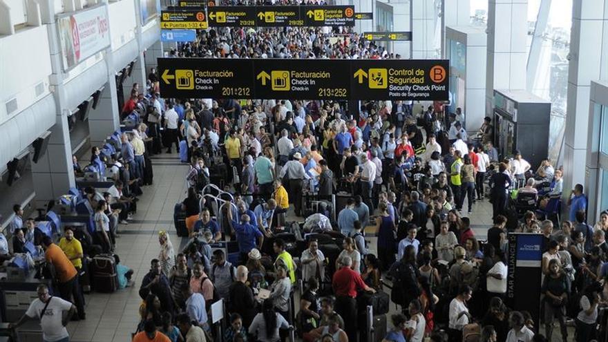 Pérdidas millonarias por el apagón en el principal aeropuerto de Panamá