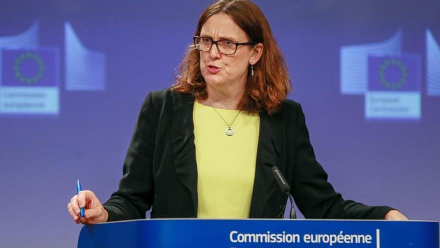 La CE buscará apoyo de los países de la UE para negociar el acuerdo comercial con EEUU