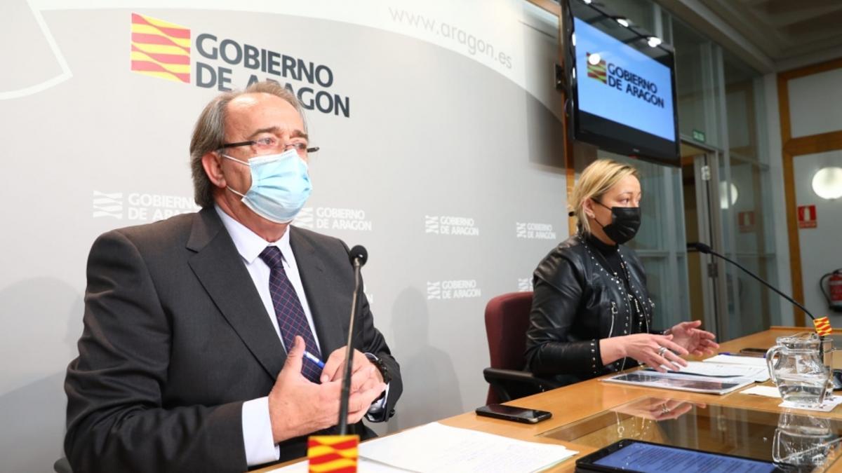 Los consejeros Carlos Pérez Anadón y Marta Gastón son los responsables de las áreas financiera y económica del Gobierno de Aragón.