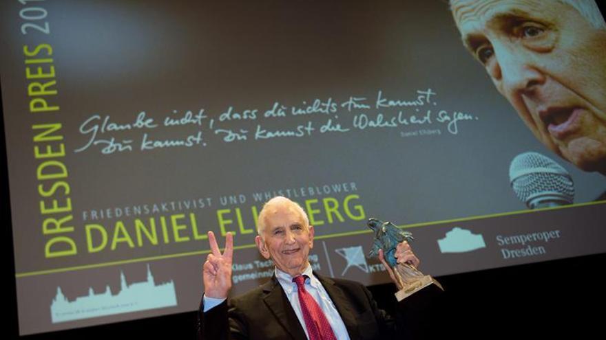 Dresde da el premio de la paz a Ellsberg, precursor de Assange y Snowden