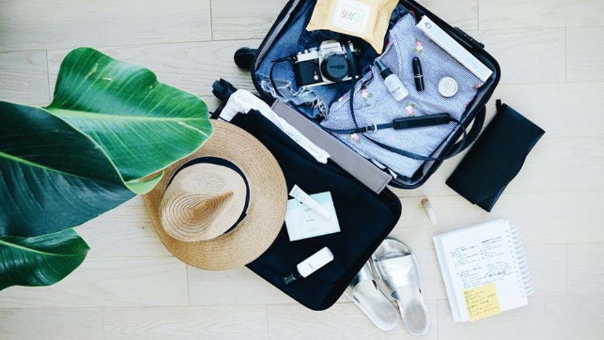Escoge el tamaño de la maleta según tus necesidades y la longitud del viaje.