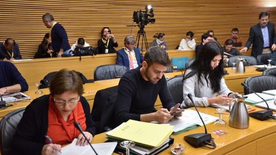 Diputados de PSPV, Compromís y Unides Podem en la comisión de Economia