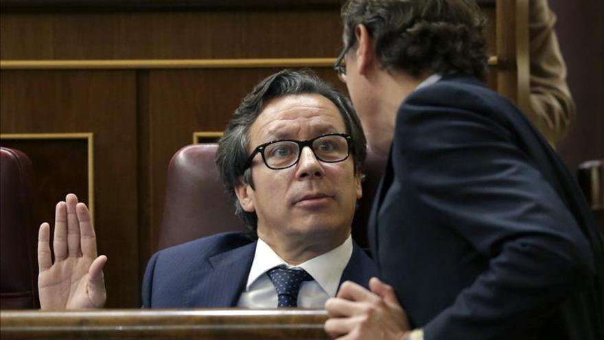 """Floriano asegura que el PP """"no dará un solo día de paz"""" a los """"mangantes"""""""