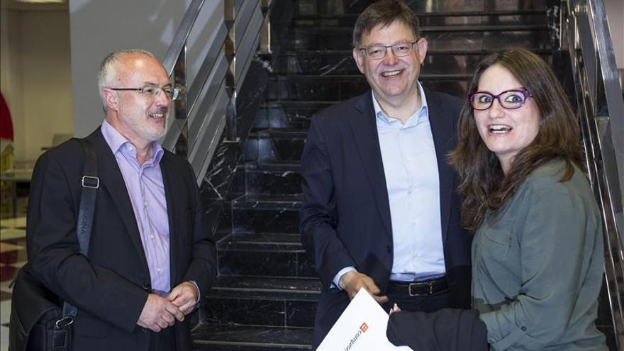 PSPV, Compromís y Podemos ven avances en la negociación para la Generalitat