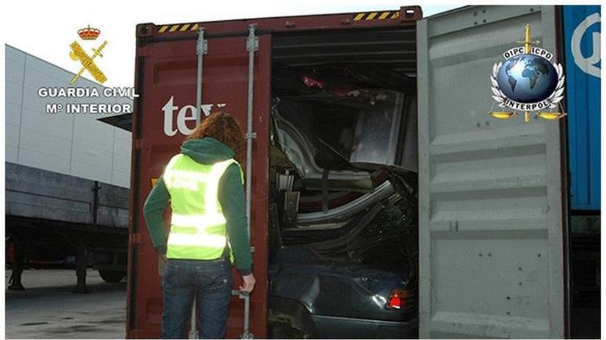 El Seprona formula 1.477 denuncias por vertido y tráfico de residuos en un mes