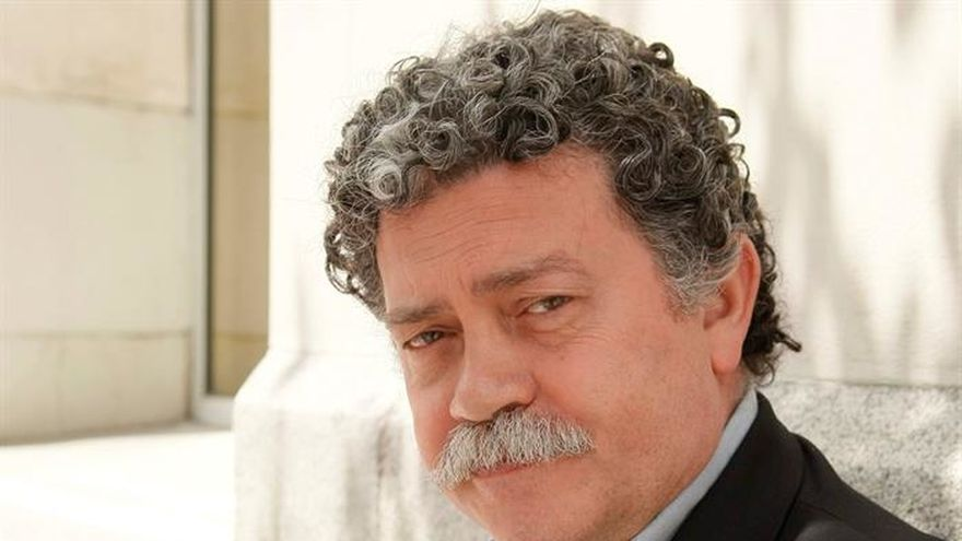 El psicólogo Walter Riso se estrena en la novela con gastronomía y nostalgia