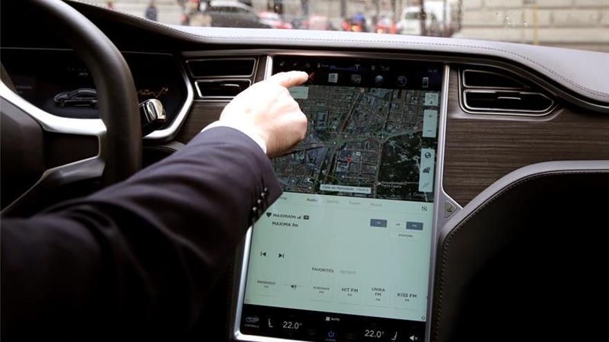 Uber vuelve a operar en Barcelona cuatro años después con licencias VTC