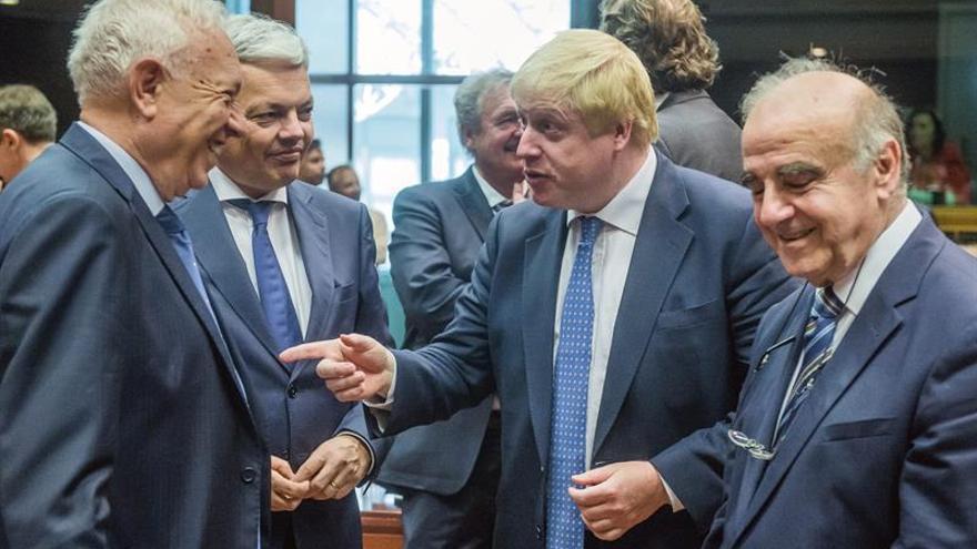 Boris Johnson se reúne con Kerry y colegas europeos