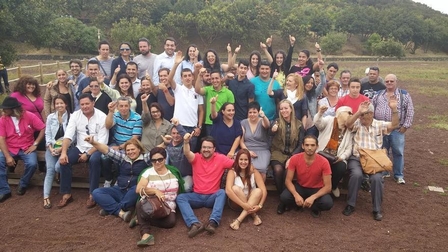En la imagen, los miembros de la lista del PP al Ayuntamiento de Garafía con dirigentes y simpatizantes del partido.