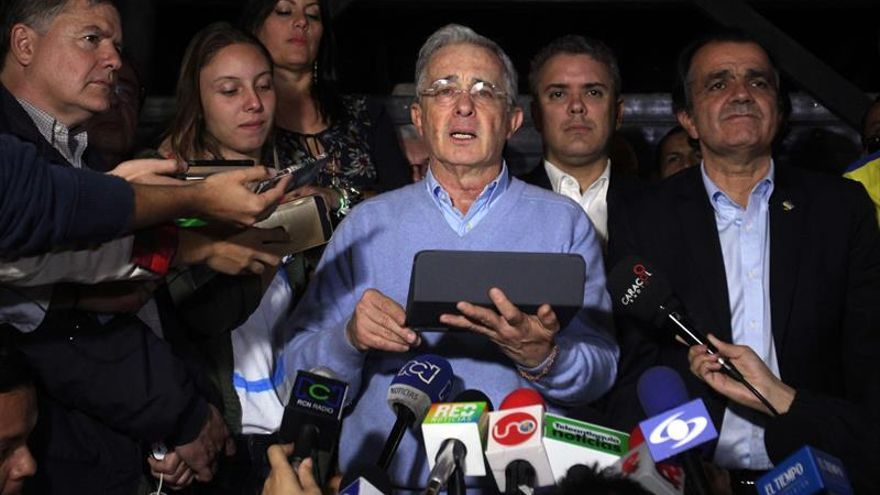 Uribe, gran ganador del plebiscito que deja a Santos y la paz como perdedores