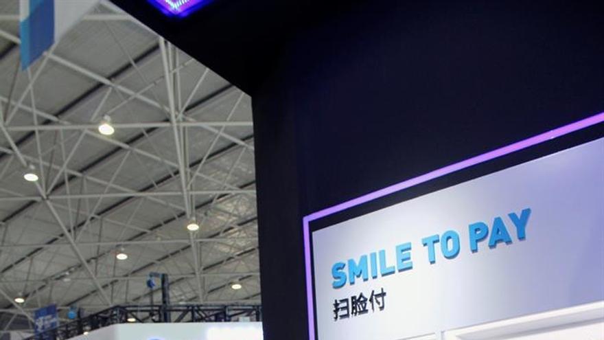 Los turistas chinos podrán pagar con Alipay en España tras acuerdo con BBVA