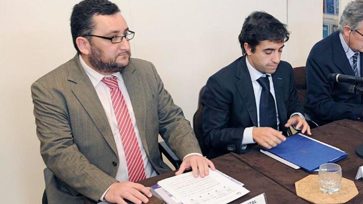 Norberto Uzal (izquierda) y el ex conselleiro de Política Social José Manuel Rey Varela