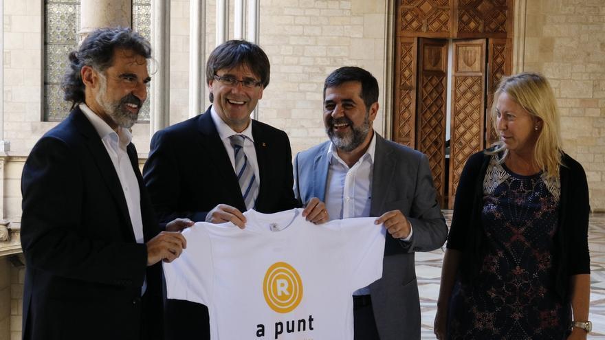 """Òmnium y ANC creen que Puigdemont refleja la """"decisión y firmeza"""" del independentismo"""