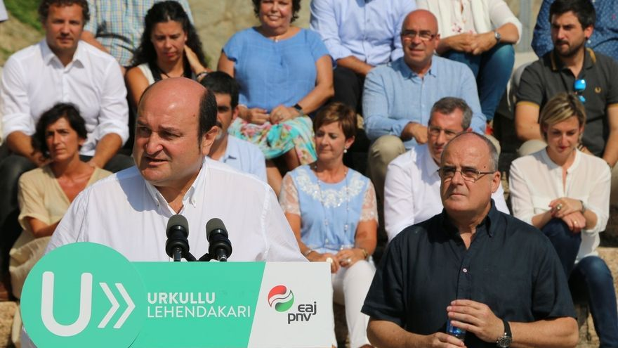 """Ortuzar ofrece un PNV """"a ras de tierra"""" frente a los que """"prometen el cielo y luego son capaces de llevar al infierno"""""""