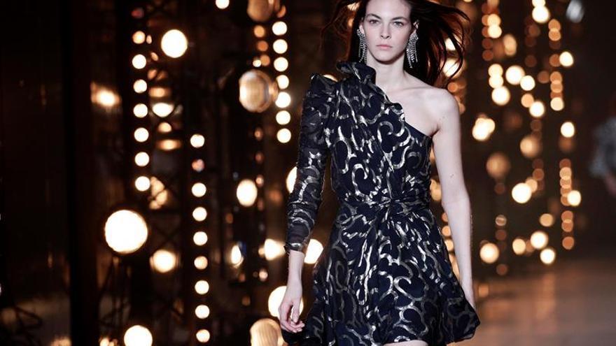 Las top models se dan cita en París para desfilar vestidas por Isabel Marant