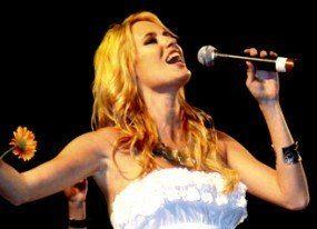 Carolina Cerezuela debuta en el mundo de la música